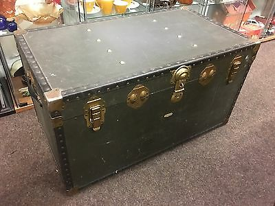 �� STEAMER TRUNK Vintage Overpond Trunk / Coffee Table