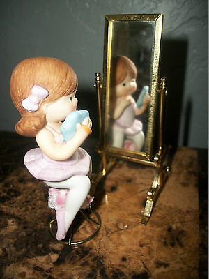 ENESCO 3 pc SET CERAMIC GIRL SITTING ON STOOL w/ A STAND UP REVOLVING MIRROR