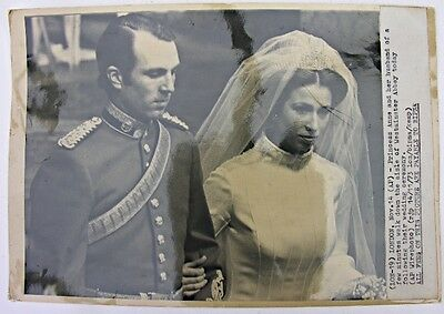 PRESS PHOTOGRAPH 1973 Princess Anne Mark Phillips Wedding Westminster Abbey