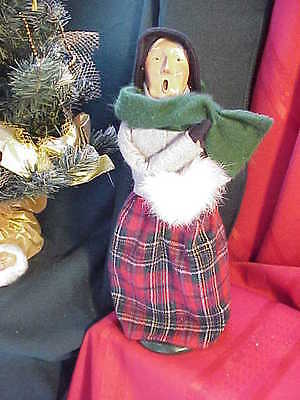 1993 Byers Choice Carolers Older Victorian Woman with Muff  Perfect! by169
