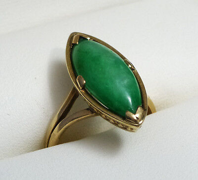 Beautiful Deco Antique Chinese Green Jade and 14k Gold Ring Size 4 1/4