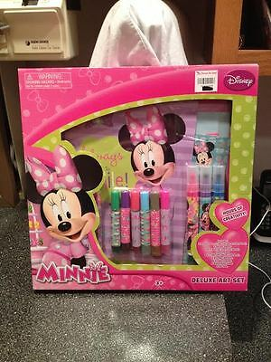 Disney Minnie Mouse Deluxe Art Set Craft Creativity Activity Kit Brand New