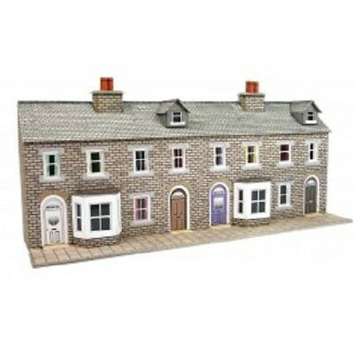 Metcalfe PN175 N Gauge Low Relief Terraced House Fronts Stone Style