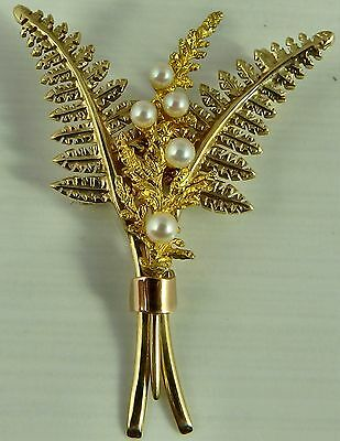 9ct yellow gold pearl set spray brooch. Weighs 7 grams