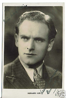 Bernard Lee British Film Actor James Bond Hand Signed  Postcard 5 x 3