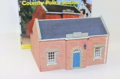 "OO 1:76 Hornby Skaledale Country Police Station R8701 ""Used""  FNQHobbys SK005"