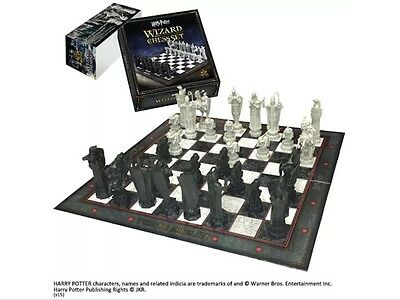 Harry Potter Wizard Chess Set Noble NN7580 NEW!