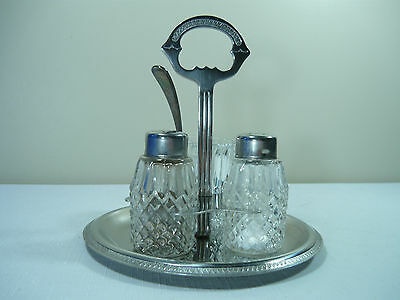 Salt & Pepper Shaker On Tray With Extra ?