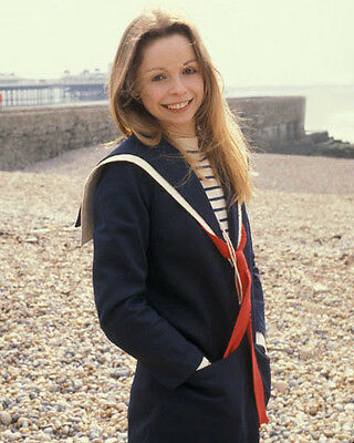 Lalla Ward UNSIGNED photo - 675# - Doctor Who