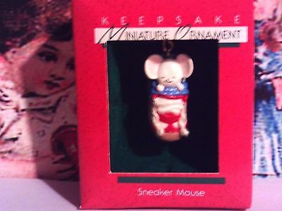 Mouse Sleep In A Sneaker`1988`Miniature-Hallmark Christmas Tree Ornament->Sale