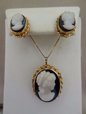 Beautiful VAN DELL 12k Gold-filled BLACK & WHITE GLASS Cameo Set