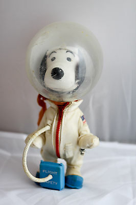 Vintage Snoopy Space NASA Astronaut Peanuts United Feature Syndicate 1969