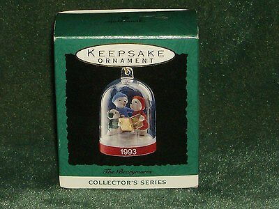 Hallmark 1993 The Bearymores - Miniature Ornament  NEW