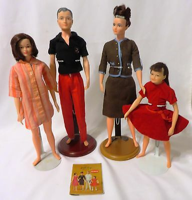VINTAGE 1960's Remco LITTLECHAP FAMILY: 4 Dolls w/Original Outfits & Booklet