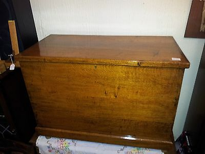 Large Vintage Antique Oak Wooden Trunk Toy Box Coffee Table