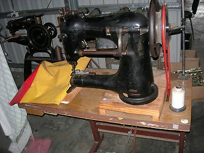 Singer 97-10 leather industrial harness sewing machine
