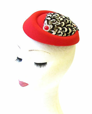 Red Brown White Pheasant Feather Pillbox Hat Fascinator Hair Clip Races Vtg 1360