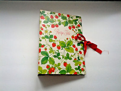 Vintage hallmark recipe file expanding accordion organizer hard cover strawberry