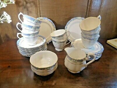 VINTAGE EXCELLENT Royal Albert ORIENT 33 PIECE TEASET for 8 with EXTRAS
