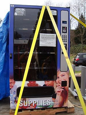 CLEAN WITTERN VENDING MACHINE 3536 w/INTERNET HOOKUP & CREDIT CARD PROCESSING