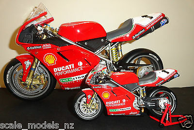 Minichamps 1:12 - Ducati 996 - Carl Fogarty- 1999 - Rare + Have 1:6 & 1994+2000