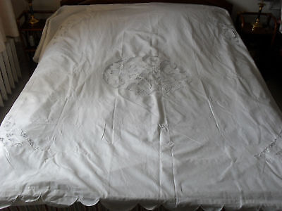 Lovely Vintage Hand-Embroidered Sheet With Two Pillowcases