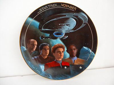 Star Trek The Voyager Plate Collection 1996 The Voyage Begins