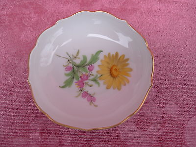 pretty,old Small Bowl__Meissen__Floral Decoration__1 Choice__