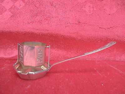 pretty, old Tea Strainer__900 Silver__Vietnam__It's nice Decorated__76g