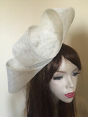 NEW Ivory Cream Fascinator Formal Ladies Hat Wedding Loops Ascot Hatinator Races