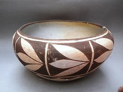 Historic Era Rare ACOMA Pottery Serving Bowl w/ Squash Blossom Design - Unsigned