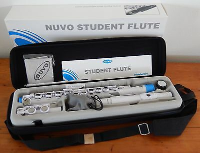 Nuvo Student Flute Kit. C-Foot, closed G# key. Excellent beginner flute.