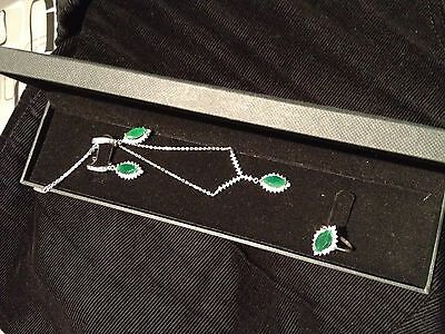 Set of 925 silver of ring and necklace+earrings with emerald green and zirconium