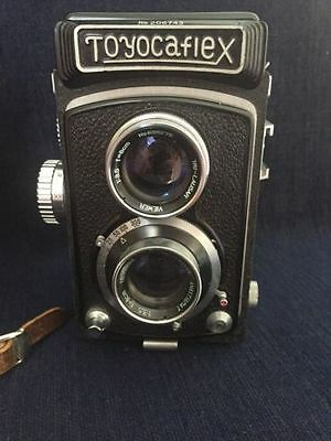 Vintage Toyocaflex Tri-Lausar Anastigmat 3.5 TLR Camera With Leather Case