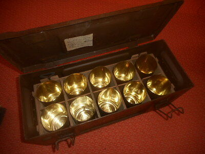BRITISH ARMY : 1942 WWII   Ammuntion Box With  12  Fuses  Tins