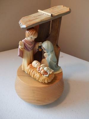 ANRI Nativity with Baby Jesus - Plays Silent Night (MINT) Free Shipping