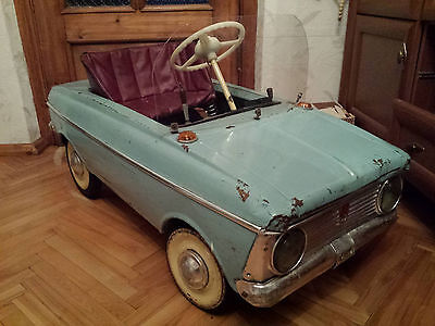 Pedal soviet car 1976 remake as electric car