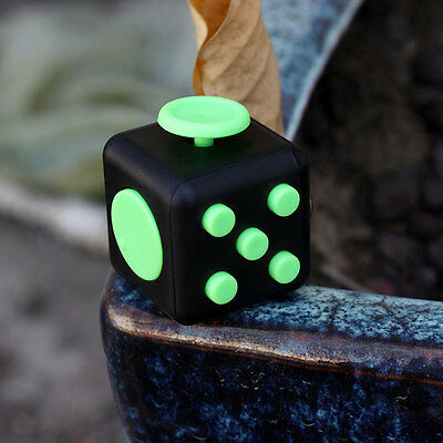 1PCs Stress Relief Figet Cube Dice For Family Adults Xmas Black&Green