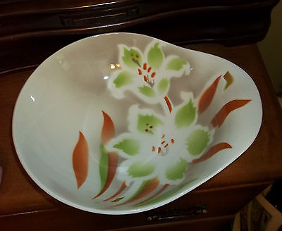 Clarice Cliff Royal Staffordshire Serving Berry Salad Bowl