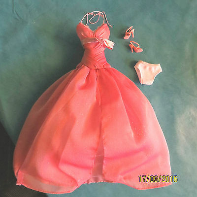 Tenue outfit fashion Barbie 2008 Pink label collectible Collector collection