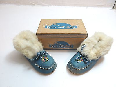 Vintage 1950's Era Sonny And Sis Kids Shoes / Indian Mossasins With Beads / Box