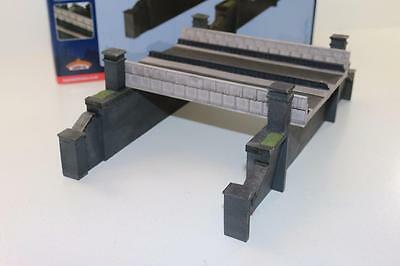 OO 1:76 44-0017 Bachmann Scenecraft Double track Rail Over Bridge New FNQHobbys