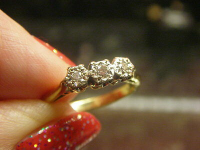 Vintage 9kt 9ct GOLD Diamond Trilogy Three Stone Ring Small Size K