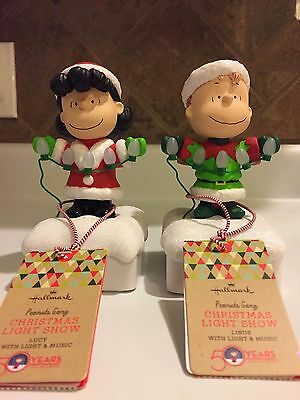 Hallmark Peanuts Christmas Light Show Linus and Lucy