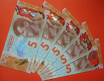 AWARDED BANKNOTE OF THE YEAR !! New Zealand 2015 UNC $5 NOTE - New design