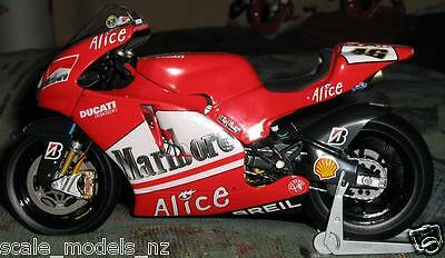 Minichamps 1:12 - 2006 Valentino Rossi - Ducati Test Bike - Unique & Last One !