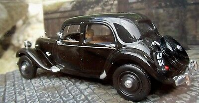 007 JAMES BOND Citroen Traction Avant 1:43 BOXED CAR MODEL From Russia with Love