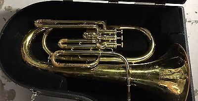 Holton Baritone Horn With Case & Mouth Piece Brass Finish Preowned