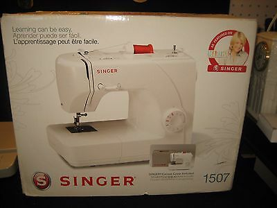 New! Singer 1507 White Eight-stitch Mechanical Sewing Machine In Box