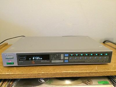 Beautiful Vintage Sony ST-V7 AM/FM Stereo Tuner works great!